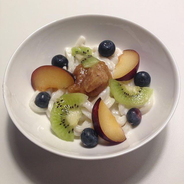 Das Rezept zu diesen süßen Kokos Udonnudeln findest du auf kuchenoderweltfrieden.de