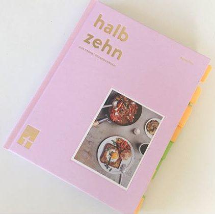 """Frühstück den ganzen Tag - mit """"Halb Zehn"""" im Kochbuchtest"""