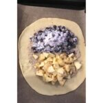 Blaubeer Thymian Tarte mit Apfel aus Modern Baking von Donna Hay